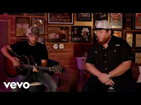 luke combs does acoustic playlist must never ve